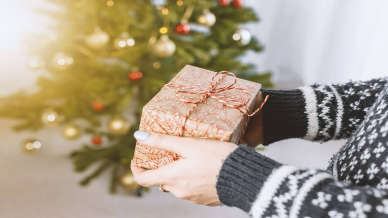 Christmas - Non-Christians at Christmas by Isaac Dagneau on indoubt